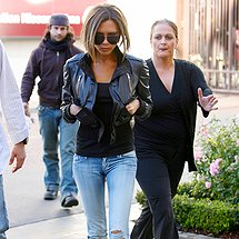 Victoria Beckham fitting jeans cameltoe